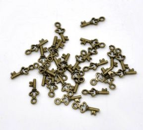 10 x Antique Bronze Key Charm Pendants